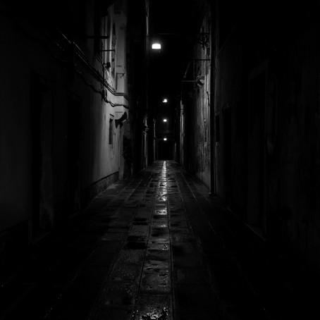 Gecenin aydınlattığı hikâyeler