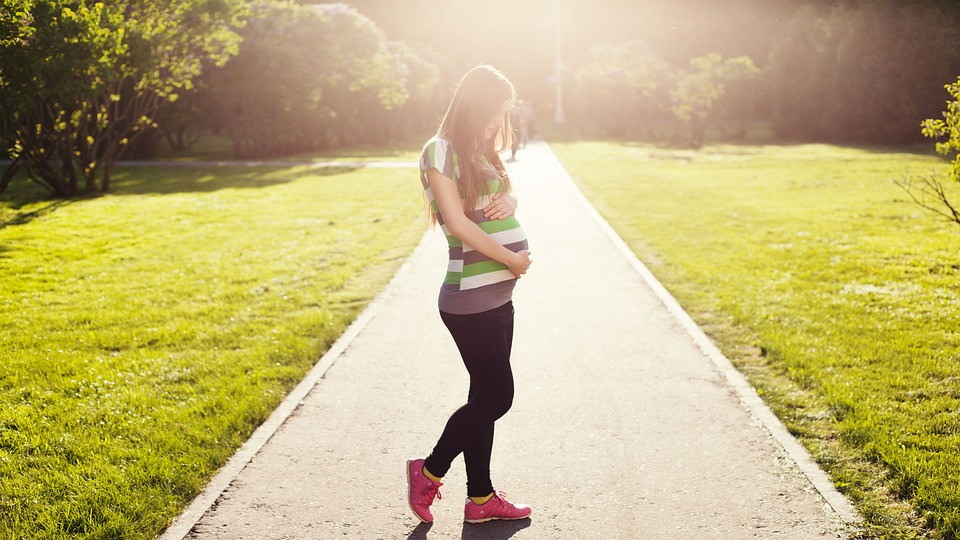 Pregnant lady walking in park Souls Insoles