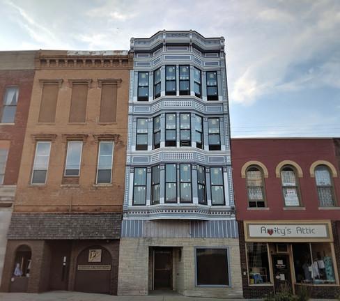 building on main 1.jpg