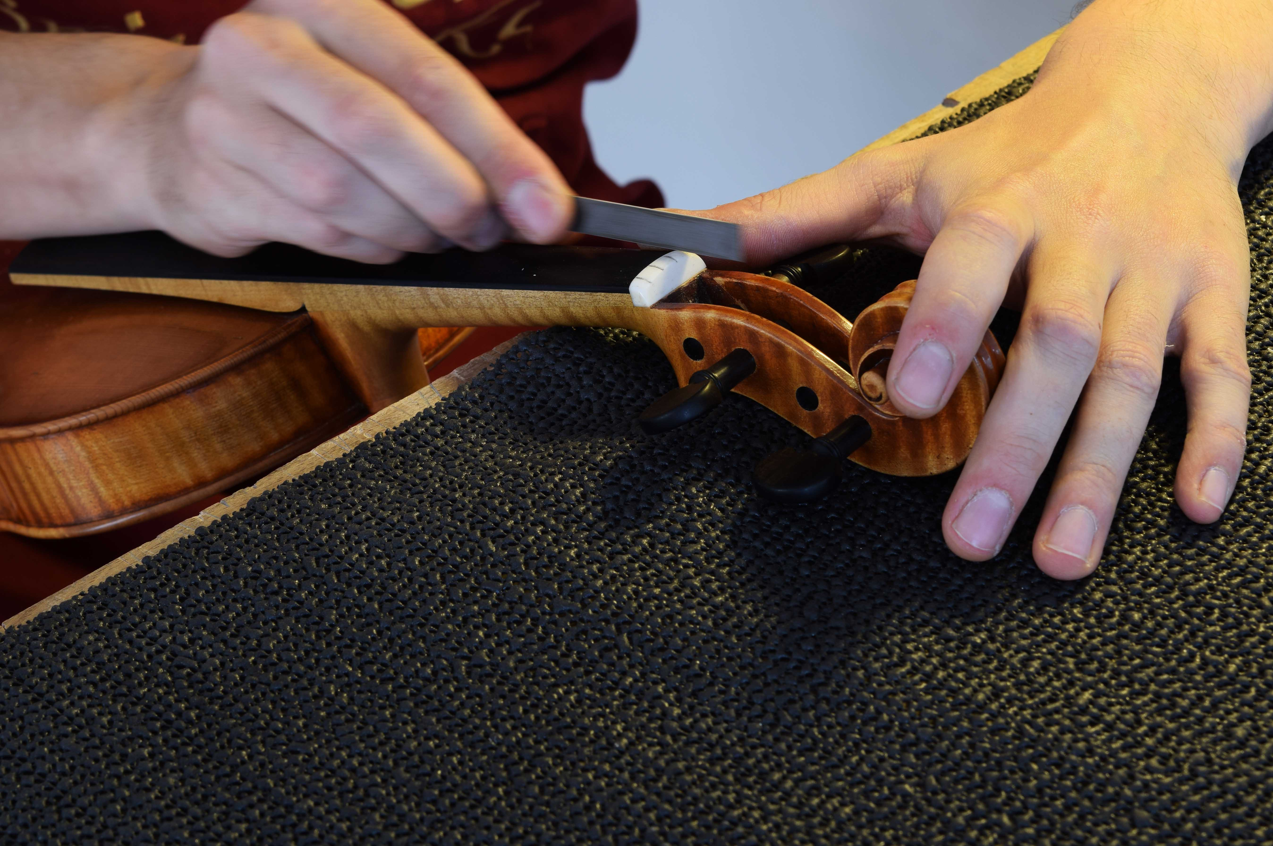 luthier instrument baroque lyon