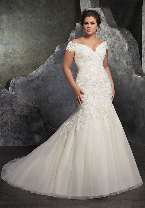 Allure '3234' Plus Size Gown