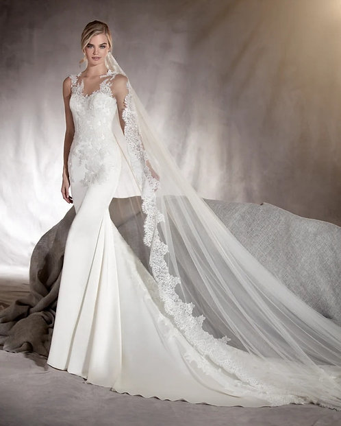 Pronovias 'Atenas' Gown