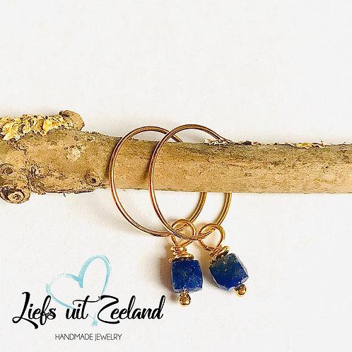 vergulde creolen met edelsteentjes lapis lazuli