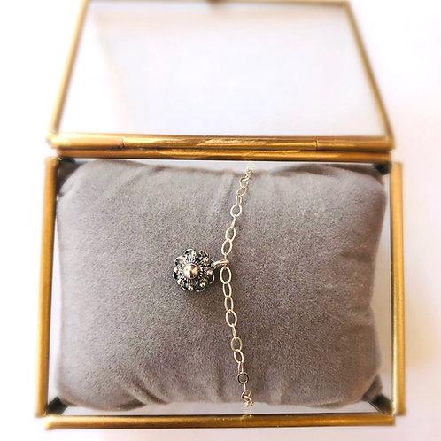 zilveren armbandje met zilveren zeeuwse knop bedel