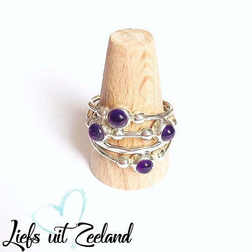 zilveren ring met edelsteen amethist