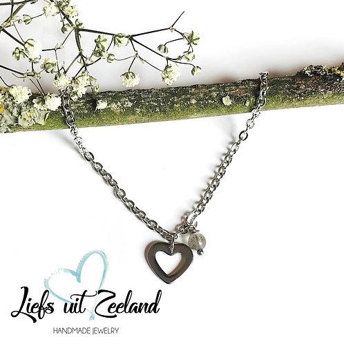stainless steel ketting met hartje en edelsteentje