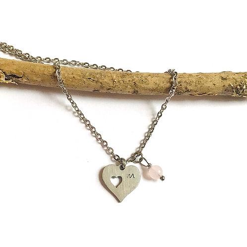 stainless steel ketting met hartje, rozenkwarts hangertje en letter naar keuze
