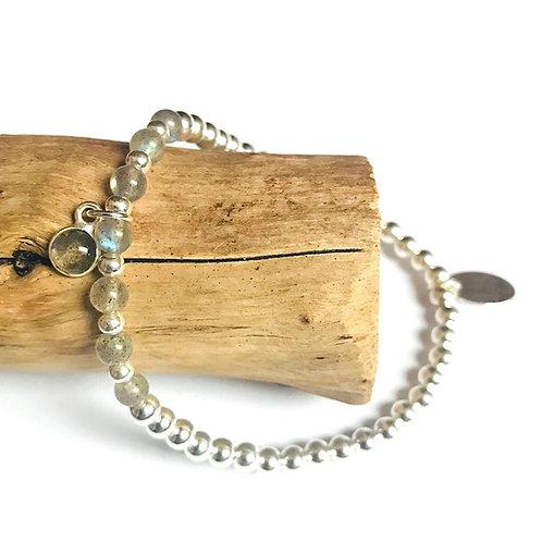 zilveren kralenarmband met labradoriet