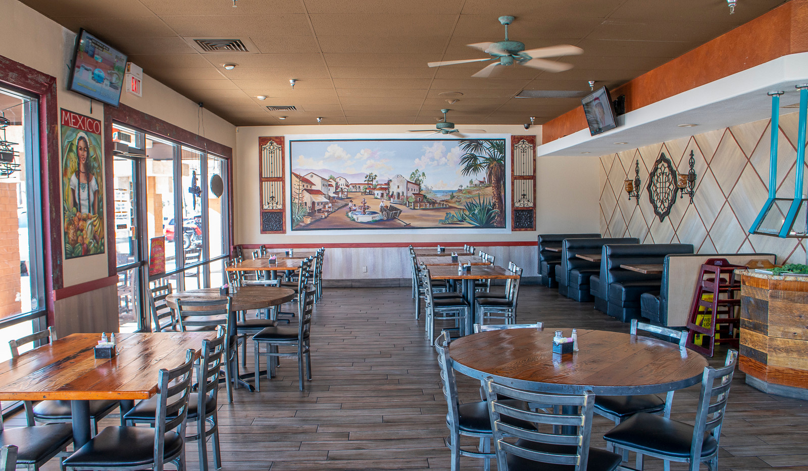 Chico's Tacos Dining Room