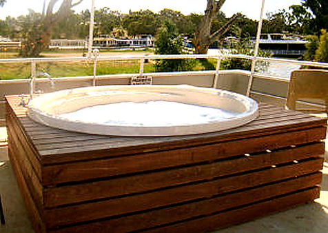 Houseboat Spa