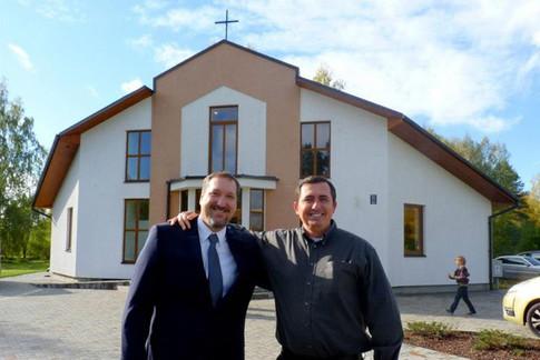 Entrusting ministry to faithful men