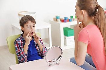 Terapia de habla y lenguaje