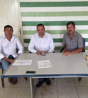 Prefeito recebe visita do deputado estadual Manoel Moraes