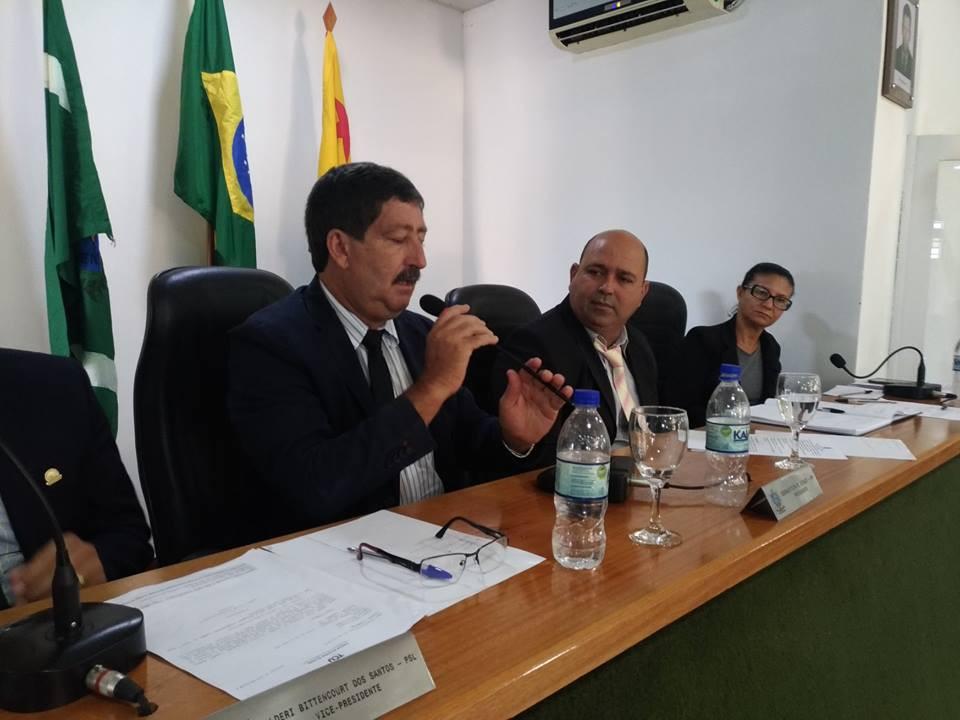 Prefeito Caetano discursa no Poder Legislativo Municipal de Acrelândia  na 5ª Sessão Ordinária de 2019