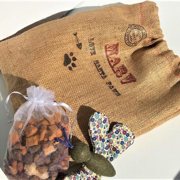 Christmas Pet Treat Bag 6 (3).JPG