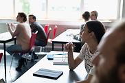 Étudiants du Collège en salle de classe