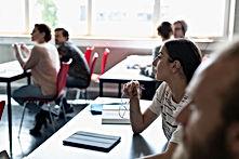 Estudiantes universitarios en el aula