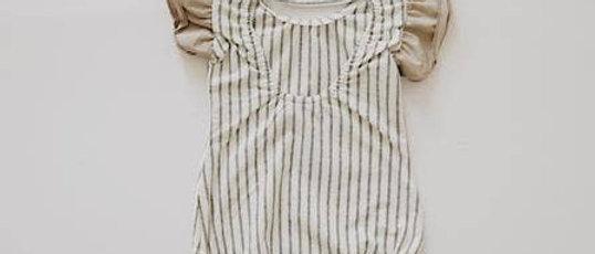 Flutter Sleeve Leo -Grey Stripe