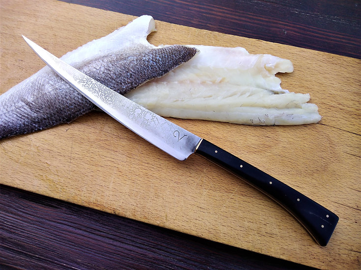 Filleting Knife with Horn Handle