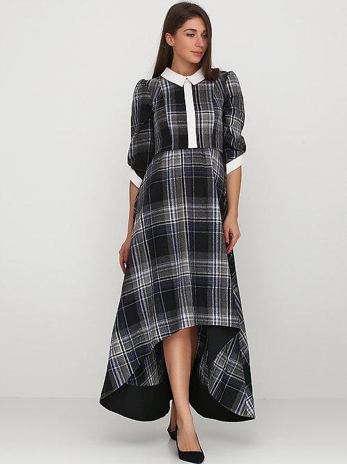 Сукня зі шлейфом в сіру клітинку