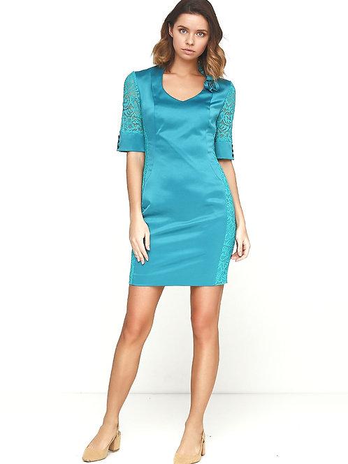 Сукня-футляр з гіпюровим декором