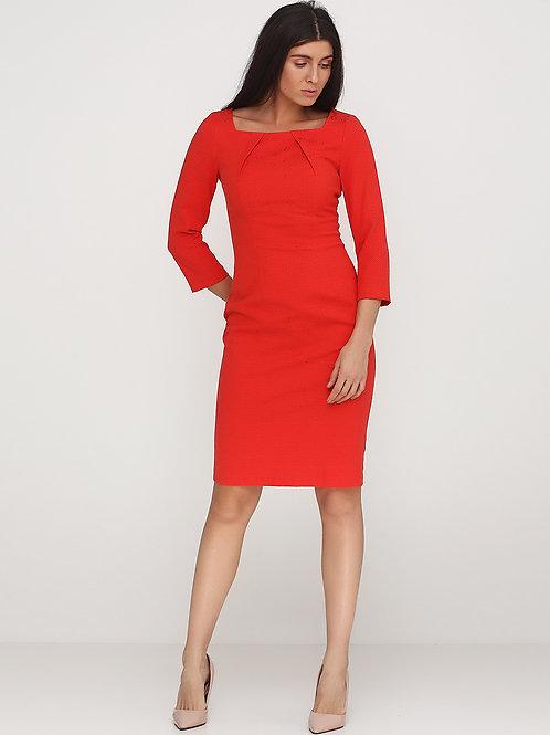 Сукня-футляр з квадратним вирізом