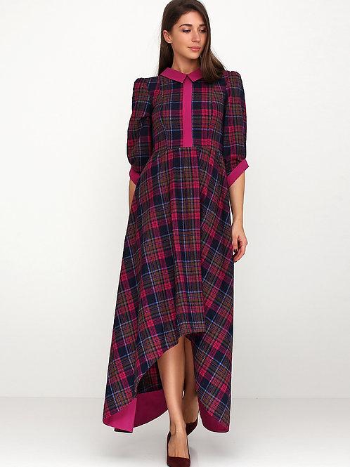 Сукня зі шлейфом в малинову клітинку