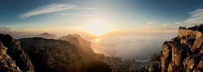 CLASSIC CAPE TOWN   TABLE MOUNTAIN VIEW by Martin Osner