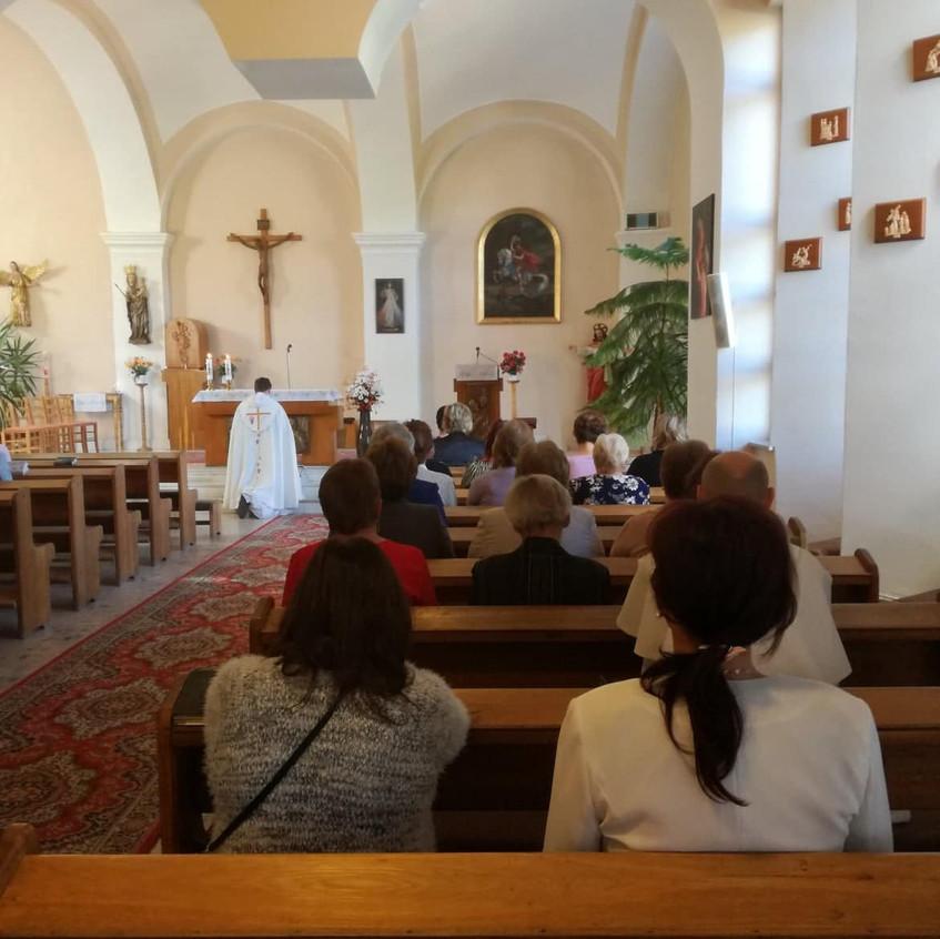 Dominikáni v Dlhých Strážach