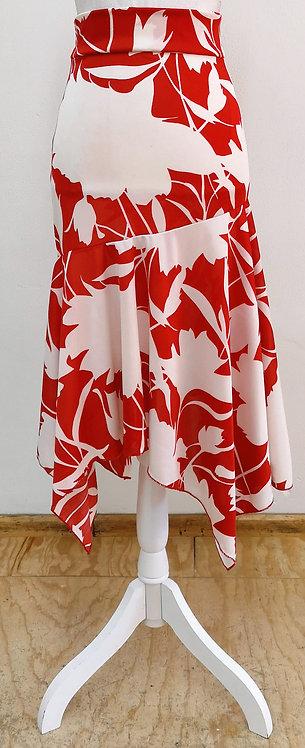Falda corta roja con estampado blanco