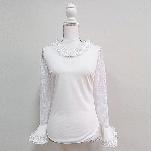 Blusa blanca con mangas de encaje