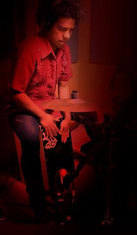 música flamenca, show flamenco, maestro cajón flameco, percusión, cajón