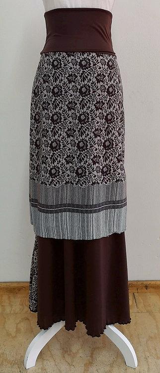 Falda café con estampado