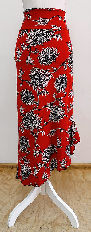 Falda roja con flores con godete