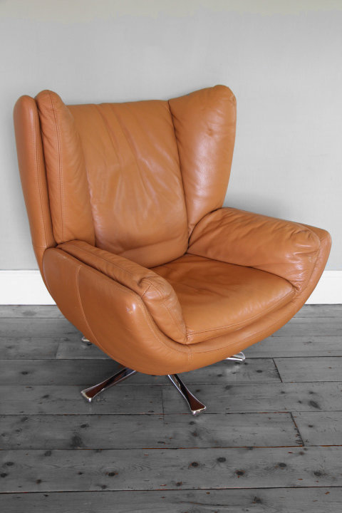 Leather 'Baseball Glove' Chair
