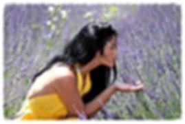 girl-1513109_1920_edited.jpg