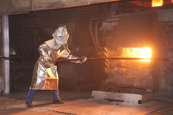 Aluminized apron in foundry.jpg