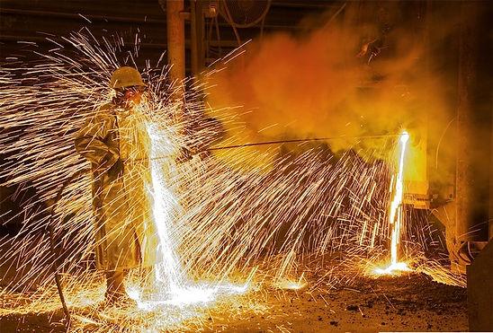 RNG Performance Materials manufactures Aluminized Apron in India using Aluminized Fiberglass.