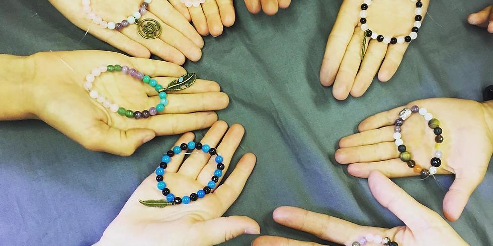 Atelier intuitif de création de bracelets mala en pierres gemmes ENFANTS/ADOS/ADULTES