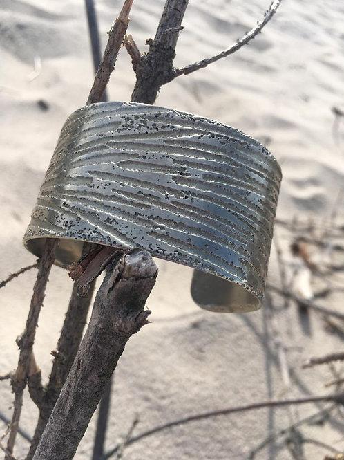 Vintage thick metal bracelet