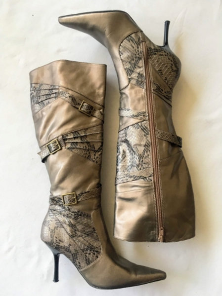 Vintage gold high-hilled boots with snake snake & claps 36