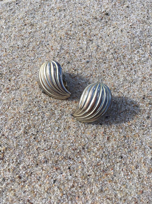 Vintage clip on earrings in silver color.