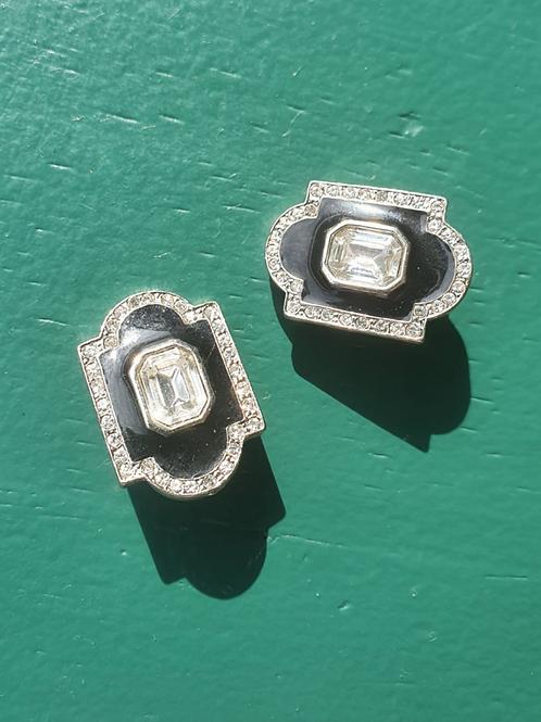 Vintage  black clip on earring