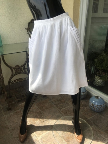 Vintage white 80s skirt with beautiful pockets 38