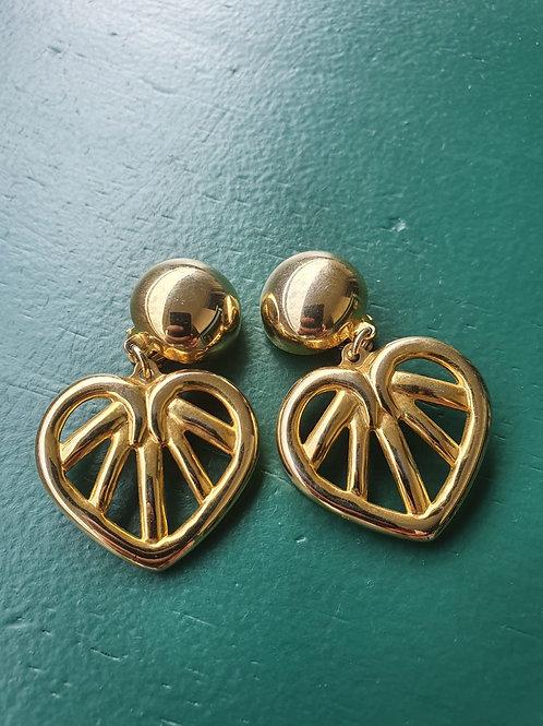 Vintage chunky golden clip on earrings