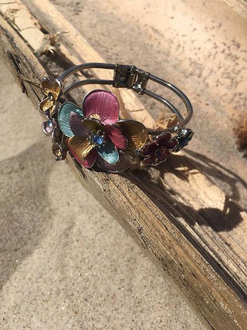 Vintage bracelet with colorfulflowers
