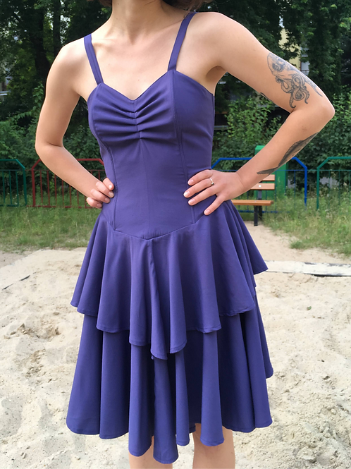 Vintage 80' violet  strappy dress  with a corset and a flounce skirt 36