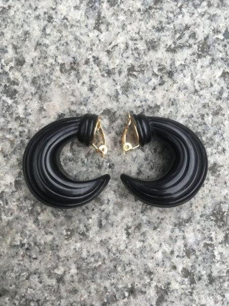 Vintage 80s black plastic clip on earrings