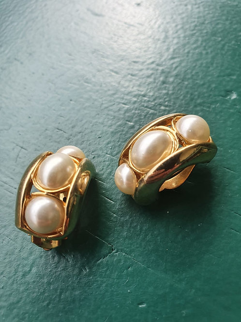 Vintage golden clip on earrings with pearls