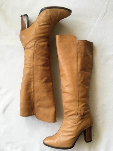 Vintage 80s beige leather knee-lenght boots 37
